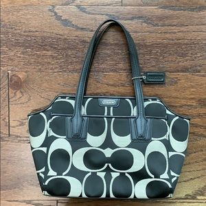 Coach purse barely used with strap